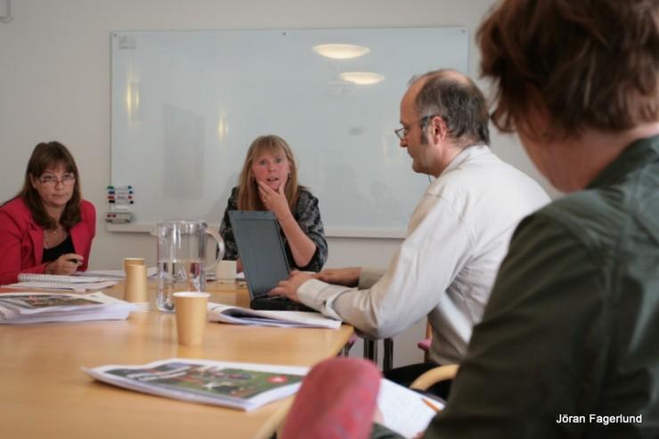 Från badens presskonferens med Elise Norberg Pilhem, distriktsordförande, och Marie Lindén, kommunalråd. Radion och GP kom.