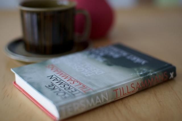 Boken gör sig bra tillsammans med te men även kaffe funkar fint.
