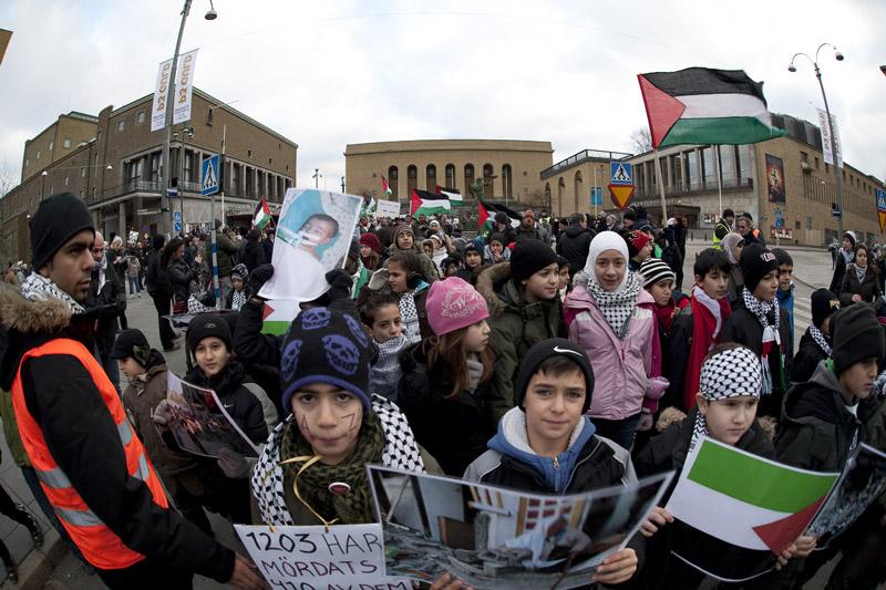 För ett år sedan visade göteborgarna sin solidaritet med Palestinas folk. Kommer Israels brutalitet att tvinga ut oss på gatorna igen?