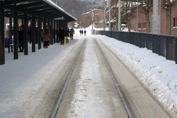 I väntan på vadå? I rusningstid brukar spårvagnarna stå på rad i Angereds Centrum.