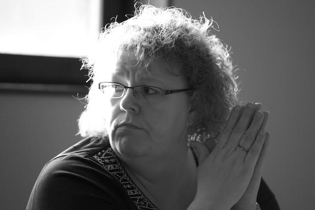 Partiföreniongens vice ordförande Birgitta Ceesay ledde mötet.