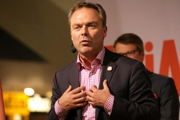 Björklund ville ha rasiströsterna själv men de hamnade hos Sverigedemokraterna i stället.
