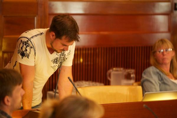 Christian Larsson (V) betonade vikten av ekonomiskdemokrati och folkägda företag.