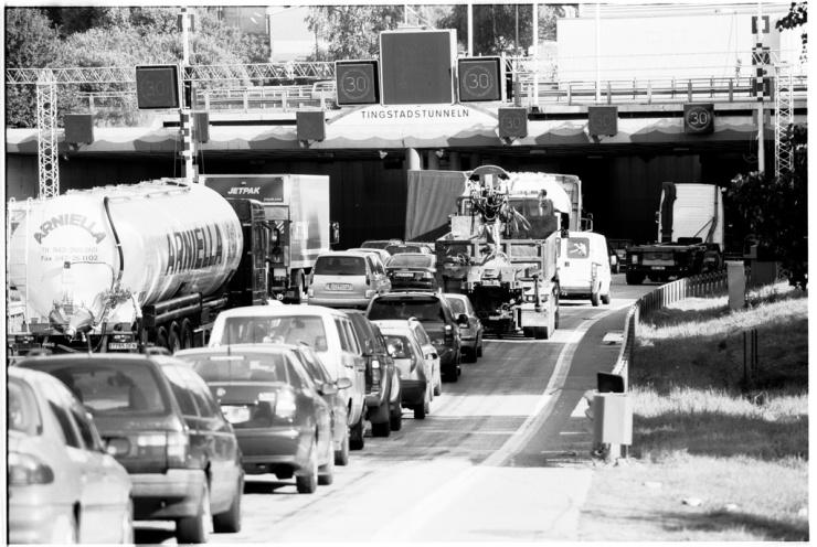Om trafikvolymen ökar hjälper det inte att utsläppen från varje fordon minskar.