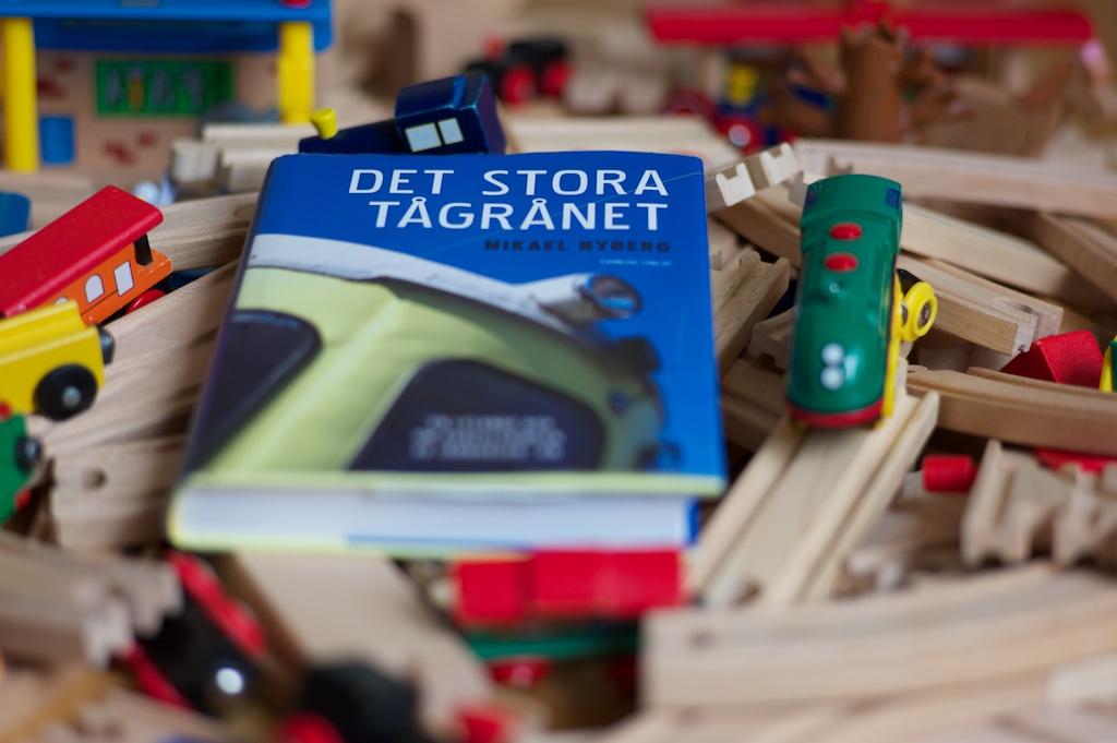 """""""Svensk järnvägstrafik har varit en lekstuga för okunniga politiker i 25 år"""" sade Ulf Adelsohn när han fick lämna posten som styrelseordförande för SJ."""