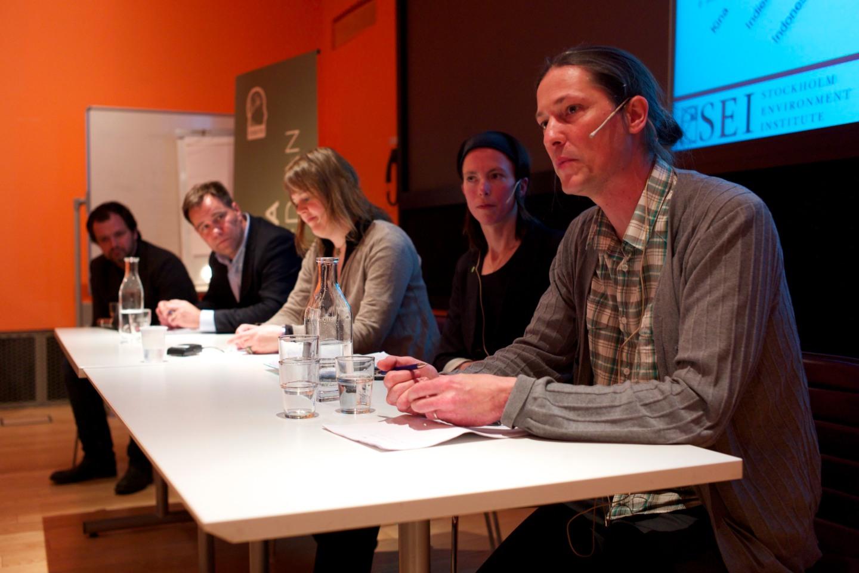 Fr. v. Daniel Johansson, Martin Wannholt (M), Katarina Axelsson, Birgitta Losman (MP) och Rikard Warlenius.