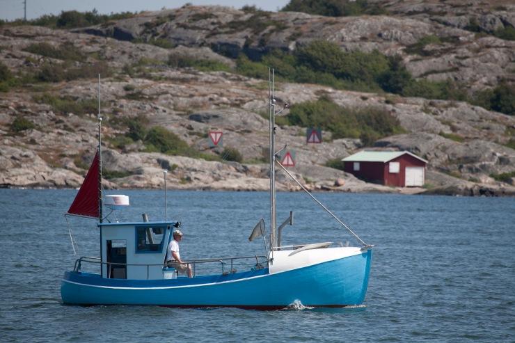 Om fisket skall bli hållbart måste andra fiskeredskap användas. Det är dock tveksamt om denna skuta kommer att användas till yrkesfiske.