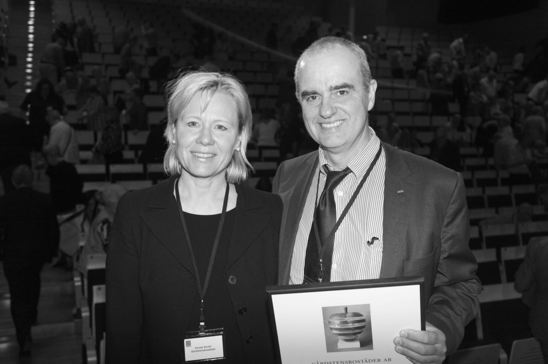Anneli Snobl, styrelseordförande, och Michael Pirosanto, t.f. VD Gårdstensbostäder