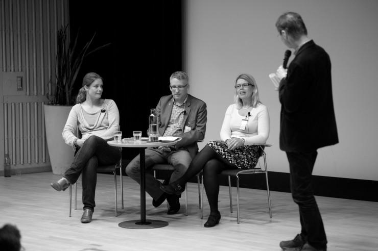 Panelsamtal. Maria Strömberg, Chef för Affärsdriven miljöutveckling på Business Region Göteborg, Lars Mårtensson, miljöchef på Volvo Lastvagnar, Lillemor Lindberg, projektkoordinator, Innovatum i Trollhättan.