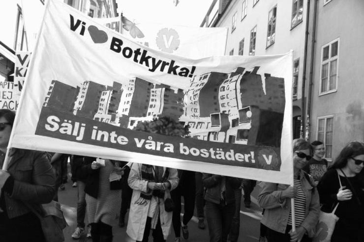 Vänsterpartiet Botkyrka demonstrerar 1 maj 2013.