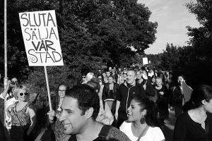 Demonstration mot utförsäljningen den 13 juni. Foto: Jonas Sjöstedt.