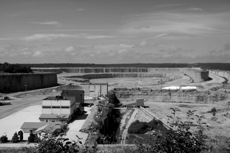 Ett helt annan kalkbrott på Gotland: Cementas kalkbrott i Slite.