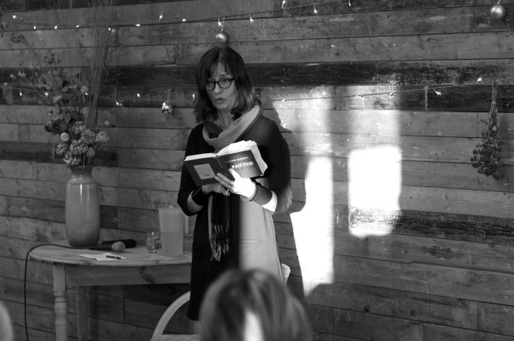 Susanna Allakoski läste ur sin bok Oktober i Fattigsverige.