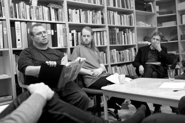 Mikael, Johan och Stefan diskuterar internfeminism.
