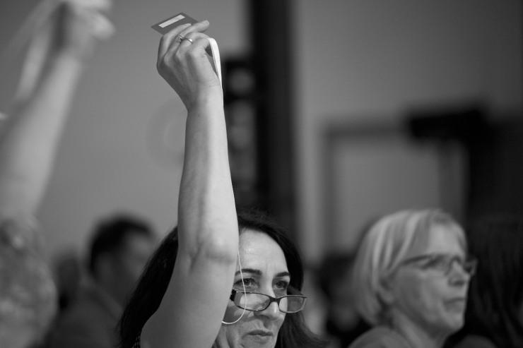 Makbule Demirtas röstar.