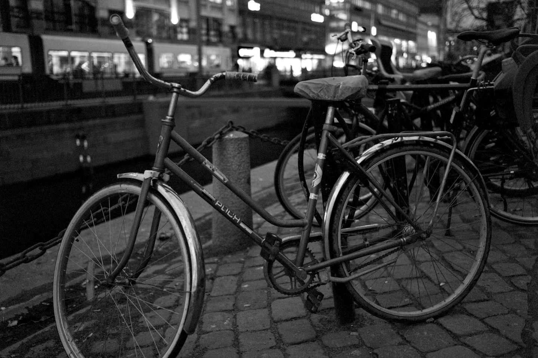"""""""Små cyklar de kör omkring, det hörs nästan ingenting, lite rassel och lite pling, rassel, rassel och pling..."""""""