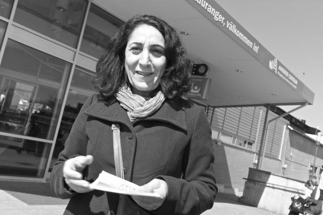 Makbule hann prata svenska, engelska, kurdiska och turkiska under de två timmar hon var i Angered.