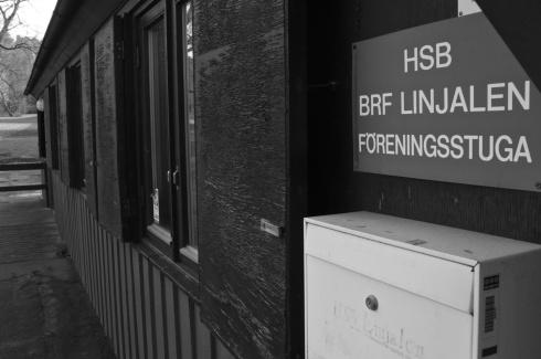 Som fisken i vattnet håller Vänsterpartiet Lundby till i en föreningslokal mitt i ett bostadsområde.