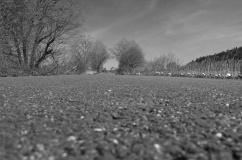 ...vilket gör att cykelbanan som på Göteborgssidan av kommungränsen var sopad och fin...