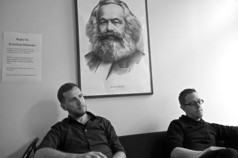 Stefan från valberedningen och Håkan från distriktsstyrelsen under det separatistiska förmöget för män.