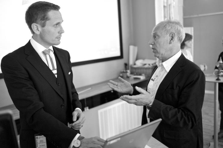 Magnus Borelius, Göteborgs Stads finnanschef, i samtal med Bernt Svensén, Projektledare för Green Gothenburg på Business Region Göteborg, efter seminariet.