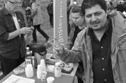 Vänsterpartiet är påtagligt populära på Kvibergs marknad.