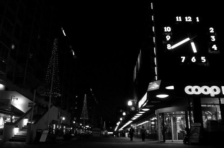 Wieselgrensplatsen By Night.