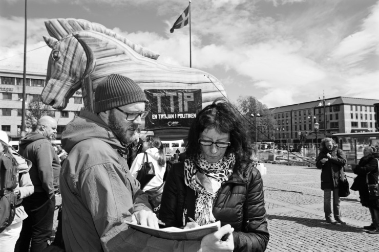 Många skrev på namninsamlingen för att stoppa TTIP.