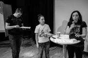 Sebastian, Adriana och Sara redovisar gruppdiskussionerna.
