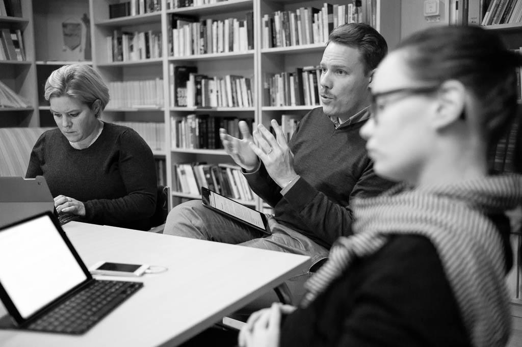 Kommunalrådet Daniel Bernmar diskuterar kommande års kommunalpolitiska arbete.