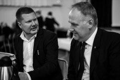 Patrik Helgeson, ordförande i Spanienfrivilligas vänner i Samtal med Jonas Sjöstedt.