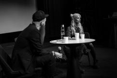 Christer Lundberg och Kitty Jutbring i samtal på biograf Drakens scen.